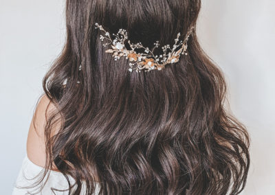 wedding hair gold coast hair down textured waves featuring sweet v hair accesory on long brunette hair by Rachel Pivetta